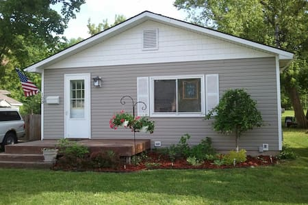 Cozy home in Boyne City, Michigan - Boyne City - Talo