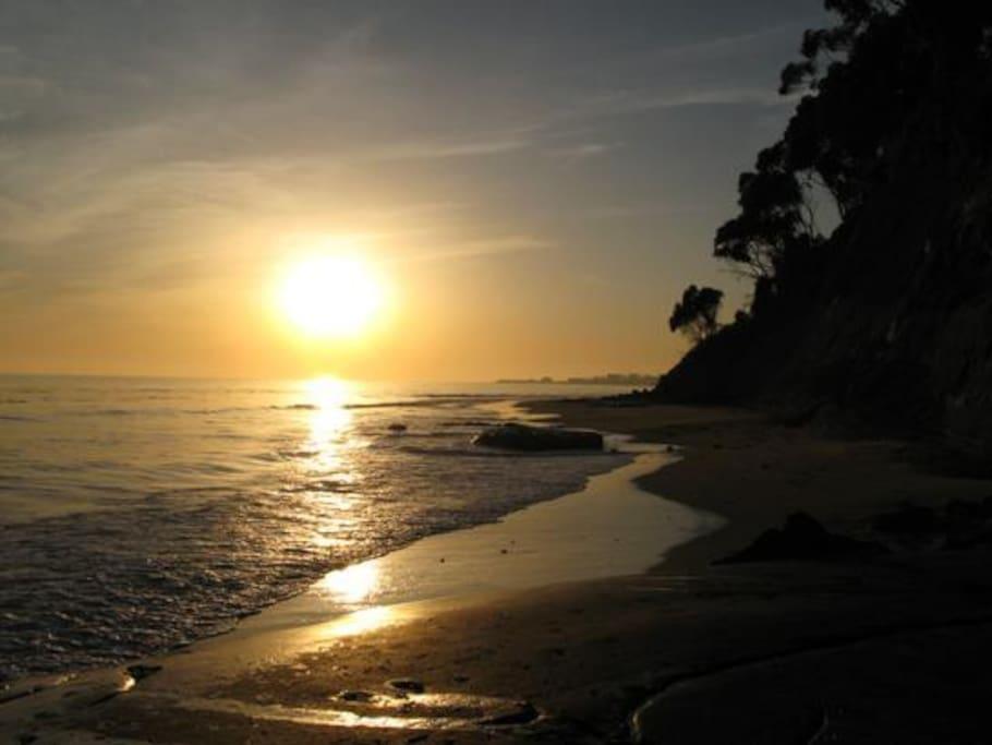 Quick walk to a beautiful beach (less than 500').