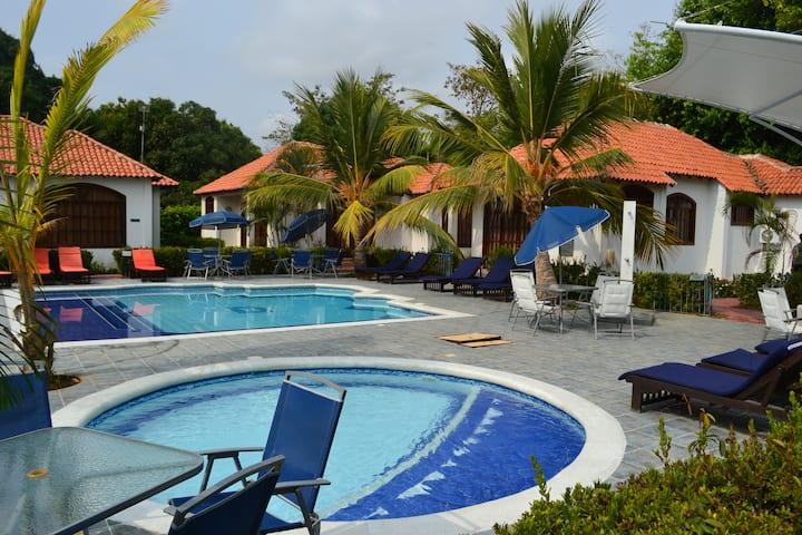 House 2 for 10 people in the Condominium Atlantis
