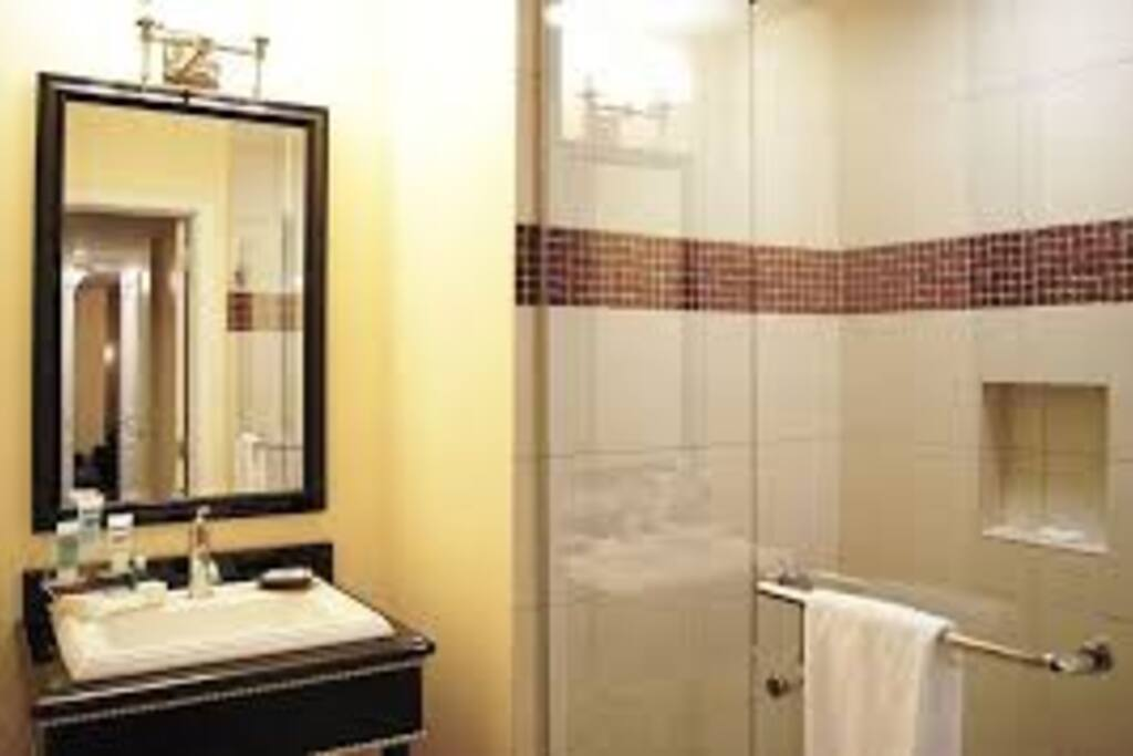 3/4 bathroom with shower
