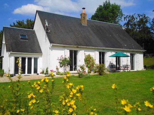Beautiful, Friendly and Spacious B&B - Blangy-le-Château - Aamiaismajoitus