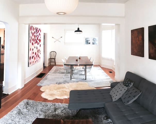 Spacious MidCentury Modern 2BD in CENTRAL SE PDX