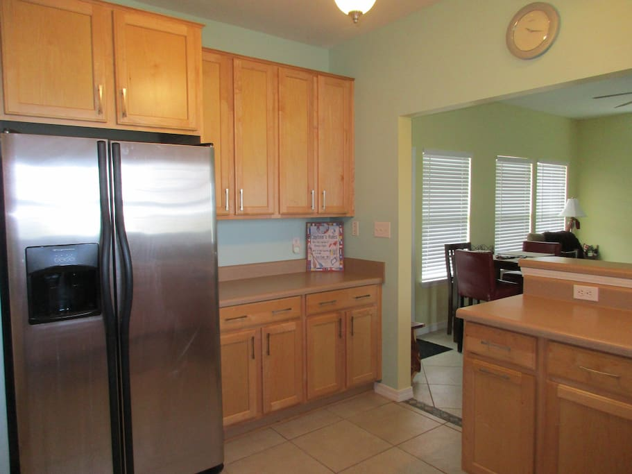 Large kitchen open to LR - plenty counter/cabinet space