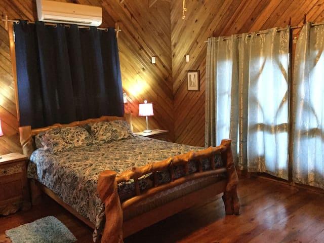 3 bed/2 bath Ocean view w/ pool  LOCATION!