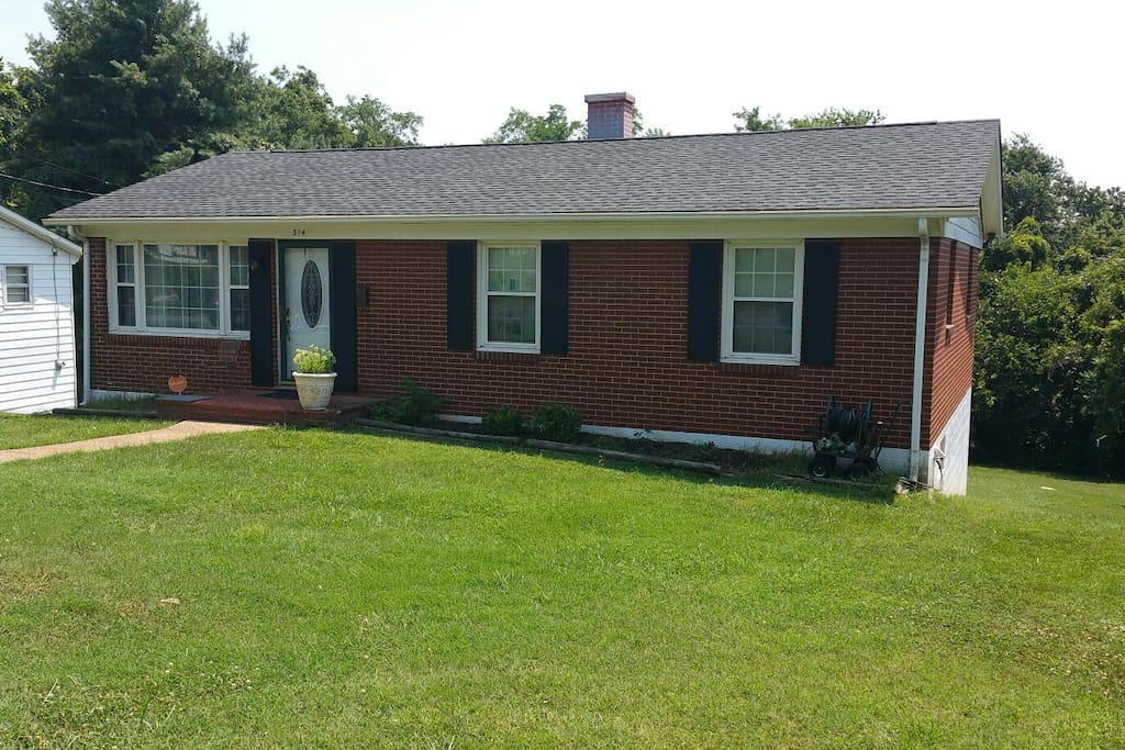 Close to everything 2 bedrooms up to 6 guest case in for Affitto cabina charlottesville va