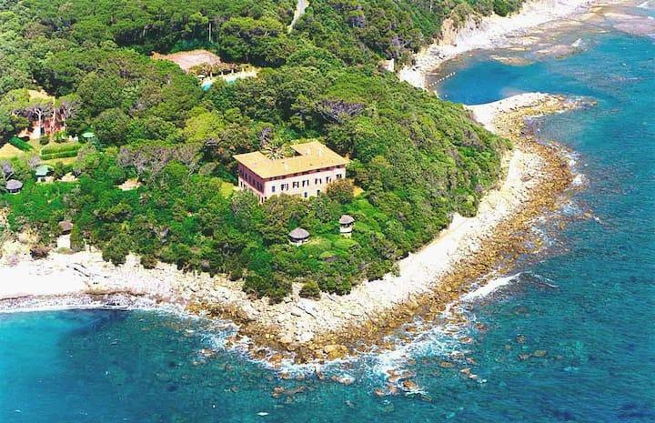 appartamento in Villa affacciato sul mare