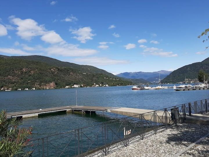 La villa nel bosco sul lago di Lugano