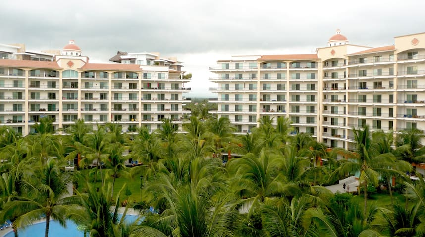 Oceanview 7th floor Apartment