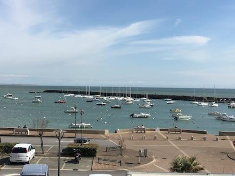 Jard sur mer : Grand studio avec balcon vue mer