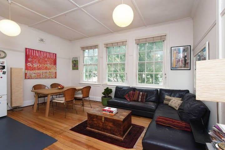 Large Loft - Best Location in Manly - Manly - Lägenhet