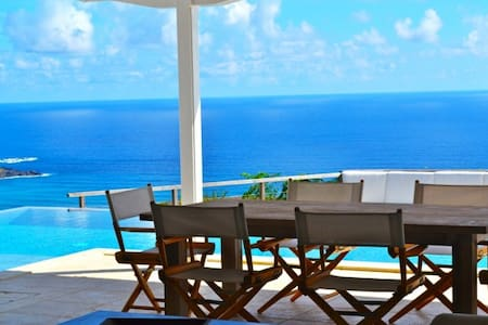 SkyScraper View 2bedroom in St Barth
