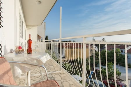Cozy 1BD nice View Parking Include - Punat