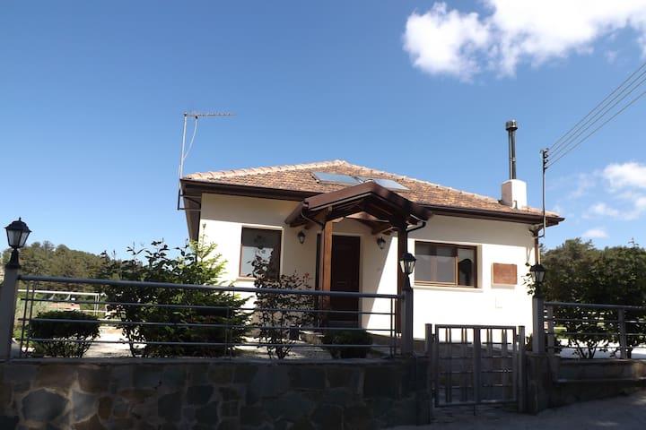 Kyperi House