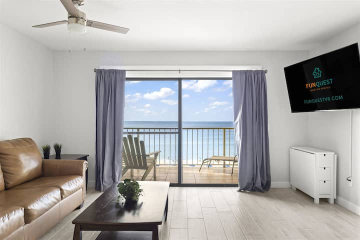 The Summit 621 - Spacious condo w/ private balcony & gulf views - located right on the beach!