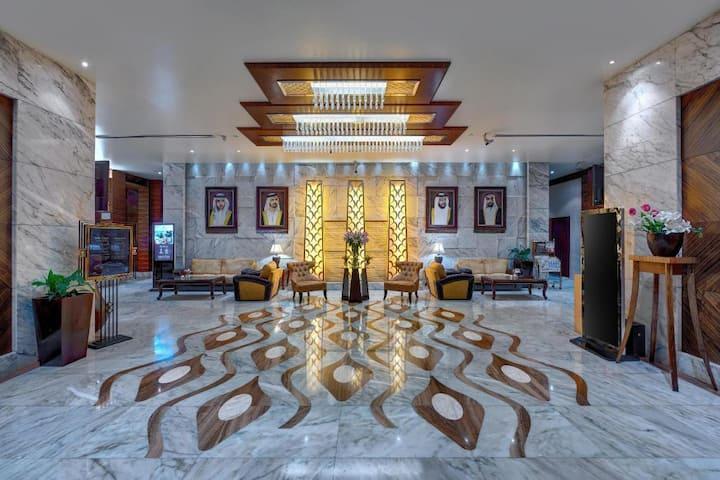Classy Private Studio inside super hotel FC Metro