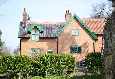 Gorgeous 3 bedroom cottage by sea - Dunwich - Hus