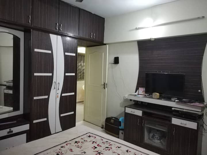 Elegant Service Apartment off B.G.Road