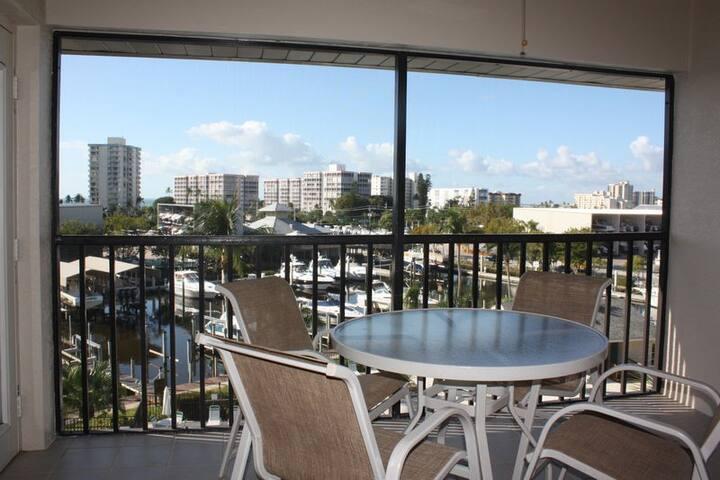 Santa Maria Harbour Resort 410 - Weekly - Fort Myers Beach - Casa