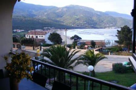 Duplex avec vue sur mer - Calcatoggio