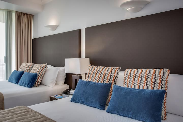 Comfy Twin Deluxe At Surfers Paradise