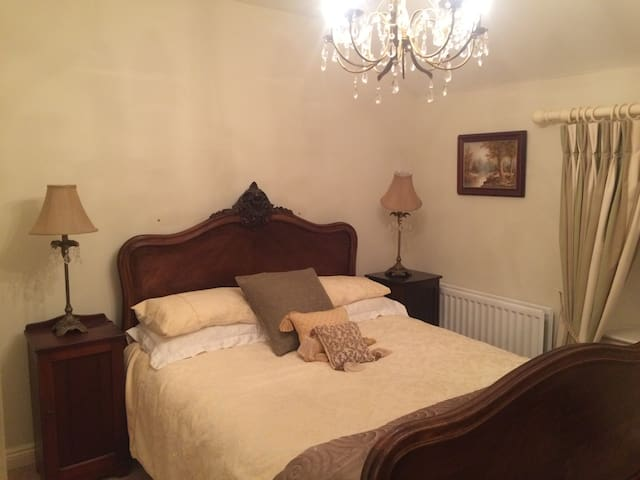 Cosy country cottage extra bedrooms available