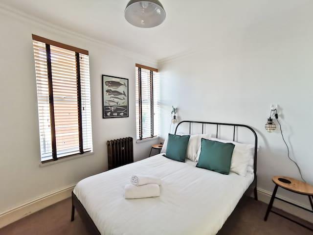⭐️ Stylish Cardiff city apartment ⭐️ - free parking