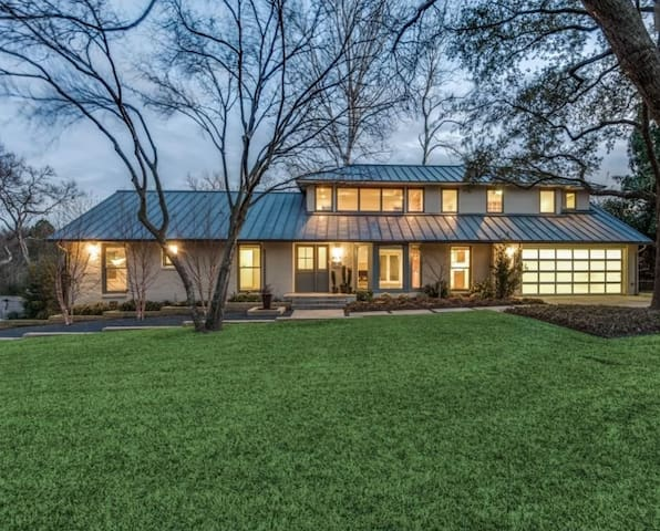 Luxury Home in Preston Hollow, Resort Pool/Hot Tub