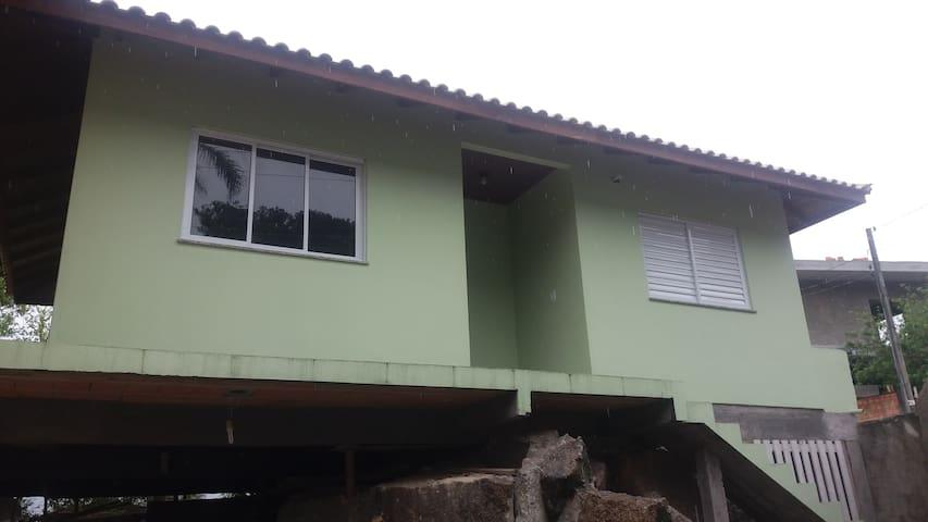 Casa 2 dormitórios Ratones- proximo jurere