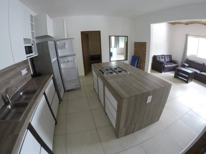 Granada Suite a Pocos Metros del Lago de Chapala