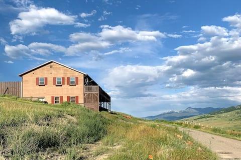 1 bedroom apartment on hobby farm near Yellowstone