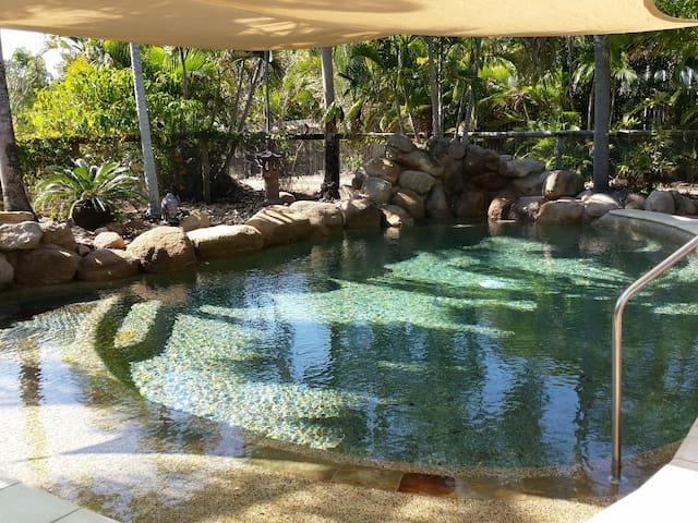 Linden  Lea  - Magnetic Island