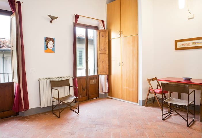 Centre Florence bohemien studio. YOU'LL LOVE IT - Florence - House