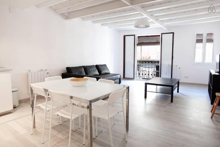 Chic & Cosy Apartment , nearby the center - Barcelona - Apartamento