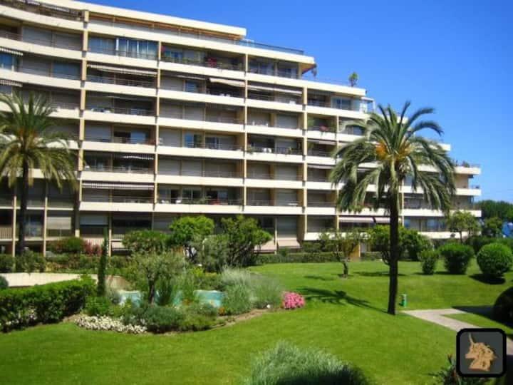 Studio Cannes 50 mètres de la plage