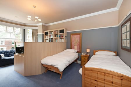 Twin Bedroom in Victorian home - Stockport