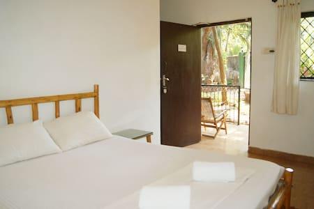 Jungle Hostel - Standard Double - Vagator