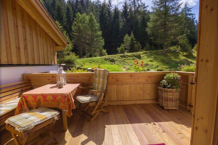 Gästehaus Geir - Bergfrieden-Almfeeling+Kachelofen