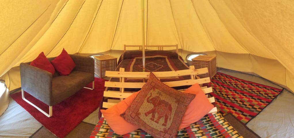 Luxury Glamping Bell Tent - English Frankton