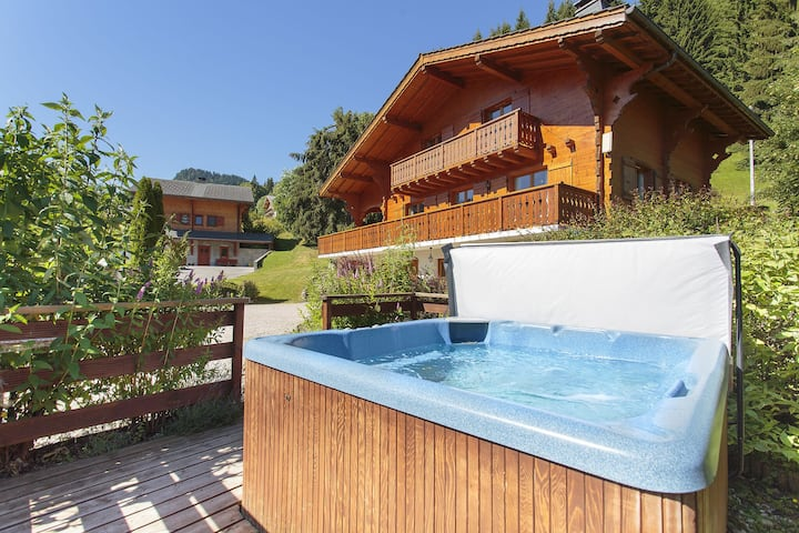 Luxury Holiday Home in La Côte-d'Arbroz with Sauna
