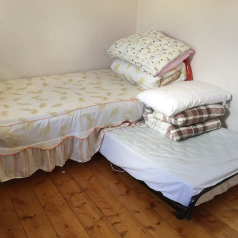 clayton Monash Uni nice tidy room - Clayton - วิลล่า