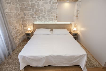 Tifani Luxury Rooms for 2&breakfast - Split - Bed & Breakfast