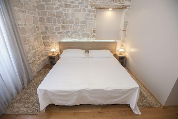 Tifani Luxury Rooms for 2&breakfast