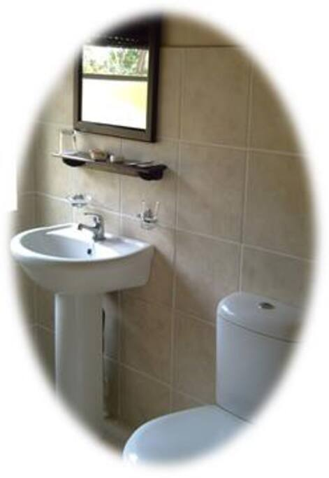 Clinical and Clean ensuite bathrooms for your pleasure