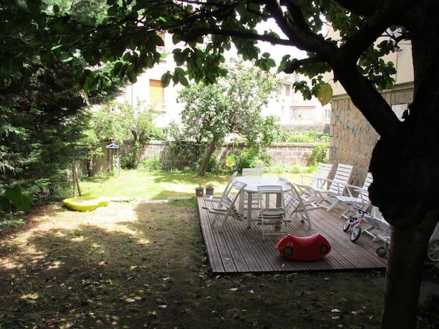 Maison 5 chambres dans le centre ville avec jardin - Le Puy-en-Velay - Casa