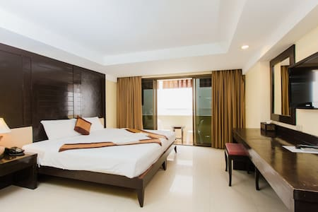 B superior king, beach 20 meters - Patong - Apartment