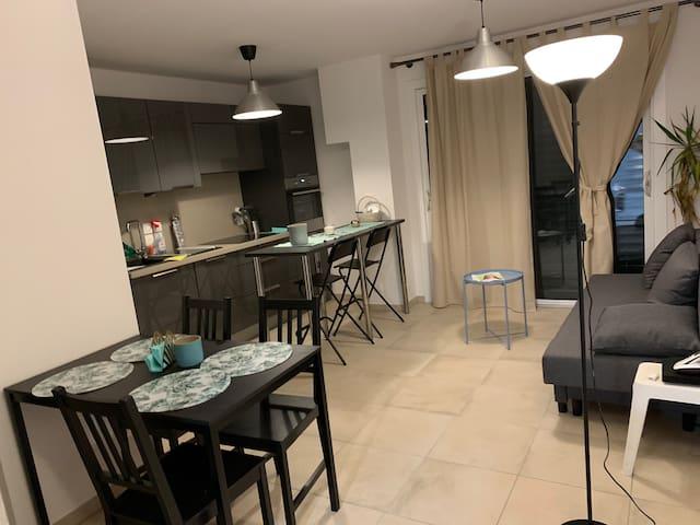 Petit appartement sympa avec 2 chambres