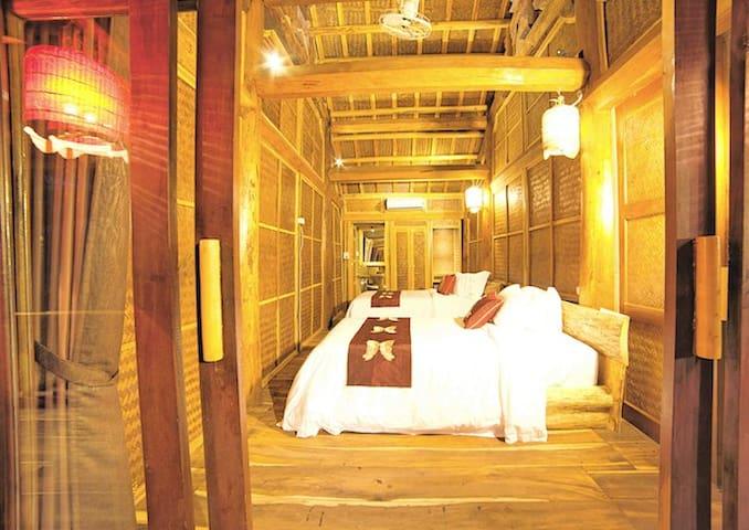 Ocean Cabin-Family room