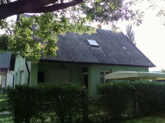 Two rooms for six people at Balaton - Balatonboglár - House