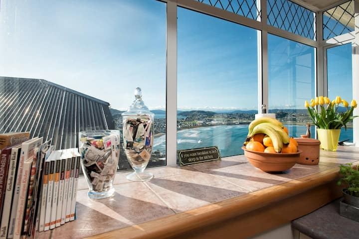 Stay with the host: Beach house overlooking 3 seas