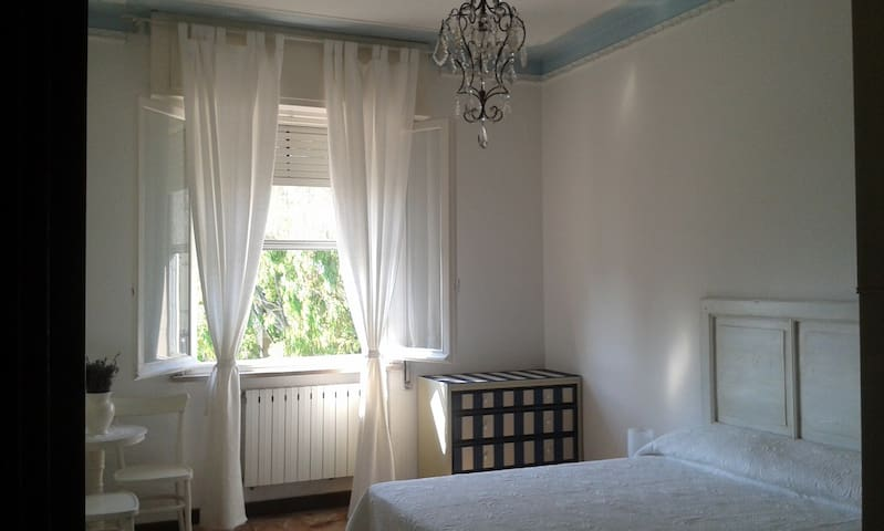 Shabby chic, two steps from the sea - Albenga - Huoneisto